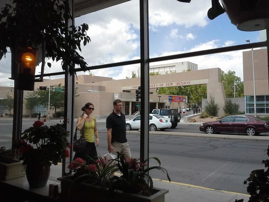 """Days Inn and Suites Airport Albuquerque: FRONTIER is a """"Must"""" for breakfast or ?"""