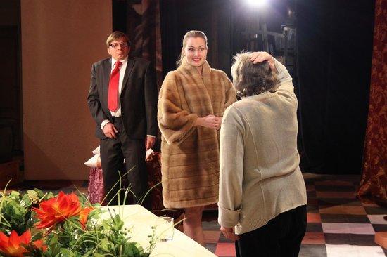 "Russian State Drama Theater Named After Pushkin: Спектакль ""Энергичные люди"""