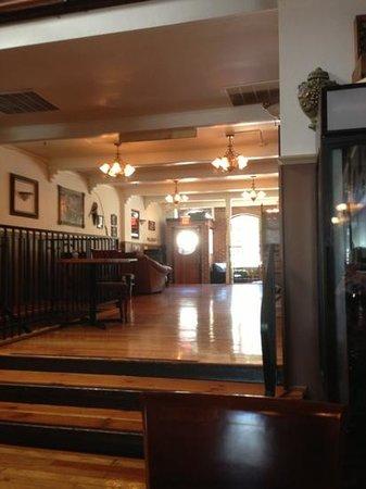 O'Toole's Pub : Looking towards front door.
