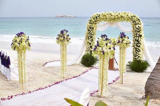 Paradee Resort & Spa Hotel: wedding ceremony decorations