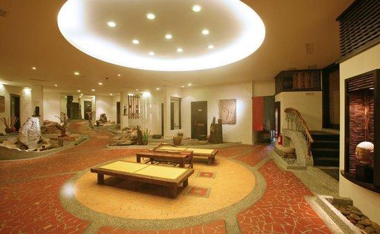 Muchun Hotspring Resort : 飯店大廳