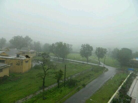 Hotel Sidarchie Palace: foggy view from room no 408