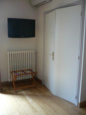 Hotel La Petite Auberge: Télé