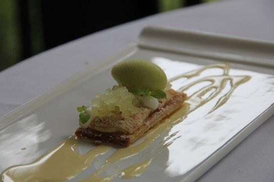 Au Jardin by Les Amis: jammy dessert!!