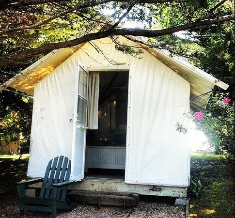 Costanoa Coastal Lodge & Camp: Cypress Village Tent Bungalow