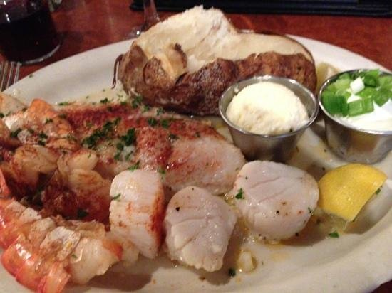 Red White & Brew: seafood platter