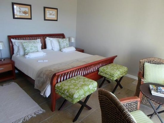Oystercatcher Lodge: Our guest room