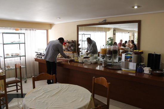 Omiros Hotel: breakfast