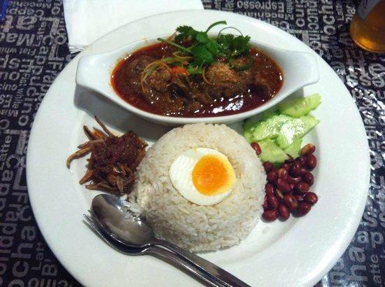Hawker's Cuisine: Beef Laksa