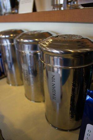 Aromatica Fine Teas: Larger tins of tea.