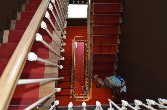 Villa Clementina Hotel: escalera