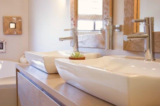 Aziza Guest House: Mountain View  Room Bathroom
