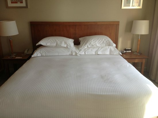 Crowne Plaza Newcastle: The King Bed