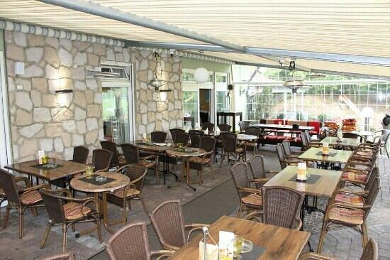 Sportgaststätte im Abseits bei Themis: Wintergarten