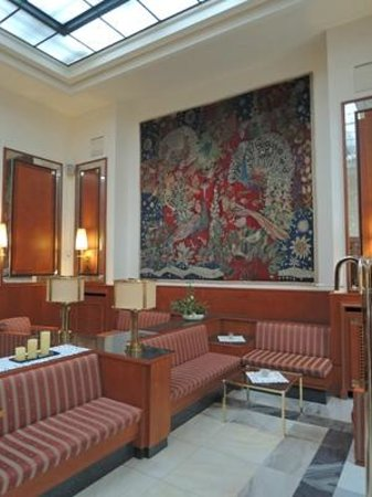 Günnewig Hotel Chemnitzer Hof: エントランスロビー