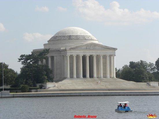 Tidal Basin: Vista del Jefferson Memorial