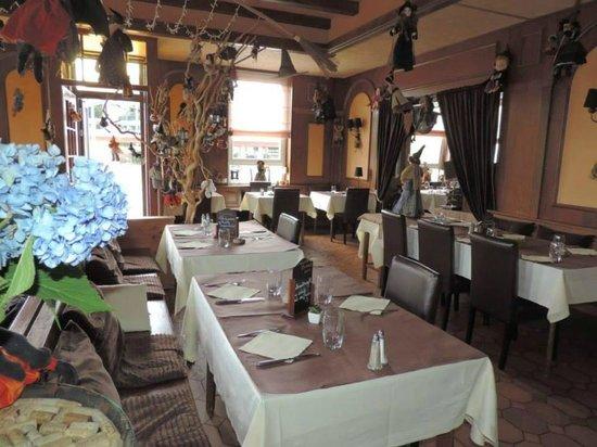 Restaurant Le Repere des Sorcieres : la salle 1