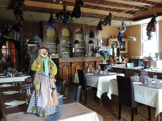Restaurant le repere des sorcieres haguenau restaurant for Restaurant au jardin haguenau