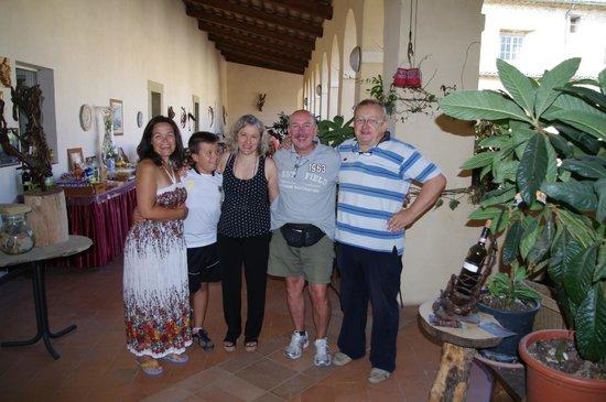 Il Chiostro di Bevagna: Pochi momenti prima della partenza con Stefania e Fabio