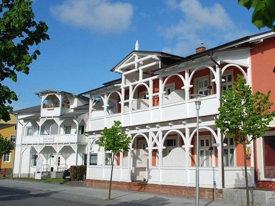 Villa bertha sellin tyskland omd men tripadvisor for Wilhelmstrasse sellin