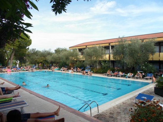 Sport Hotel Olimpo: swimming pool