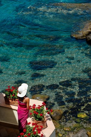 Belmond Villa Sant'Andrea: The crystalline sea in front of the hotel