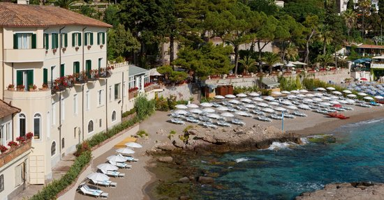 Belmond Villa Sant'Andrea: The hotel enjoys its own stretch of sand on the secluded Bay of Mazzarò