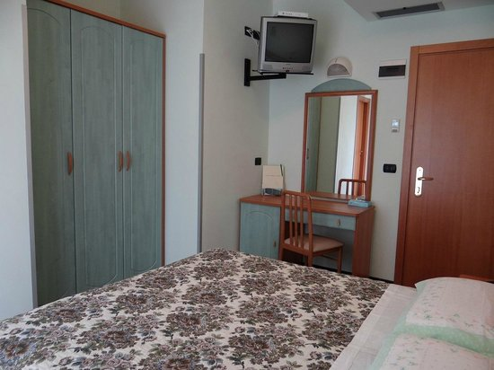 Hotel Aquila D'Oro : camera matrimoniale standard
