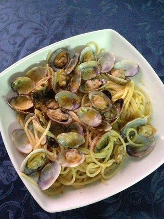 Tertenia, İtalya: spaghetti vongole e bottega