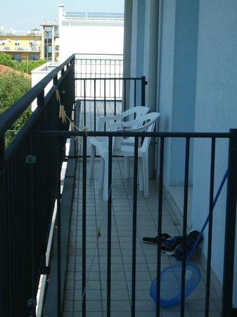 Azzurro Hotel : Balcone ampio