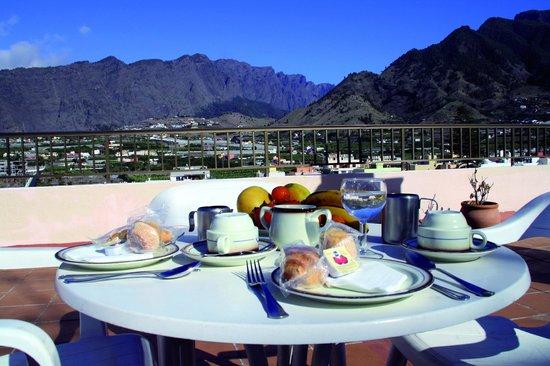 Hotel Valle Aridane: Terraza Salón Desayunos