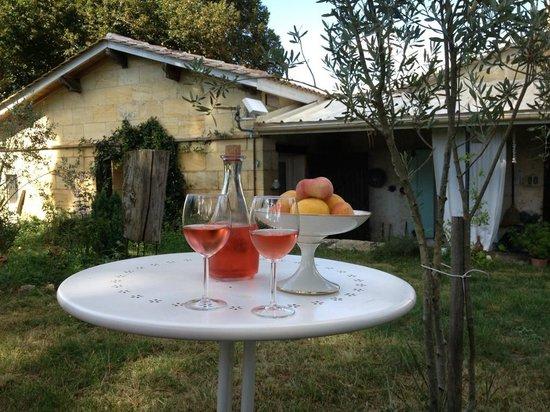 Domaine Mongiron: Sundowner im Garten