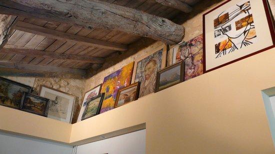 Domaine Mongiron : Kunst im Schlafzimmer