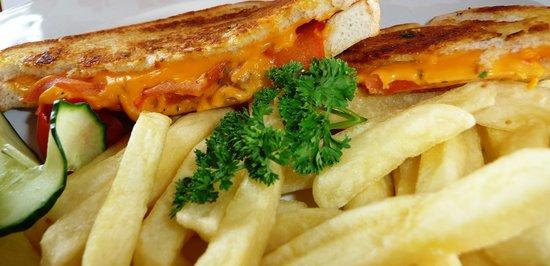The Skaf'Tin Pizzeria & Take-Away: Toasted sandwitches