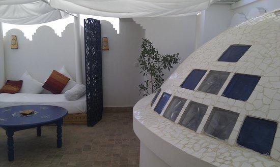 Hotel Al Alba: parte de la terraza de la suite Haima