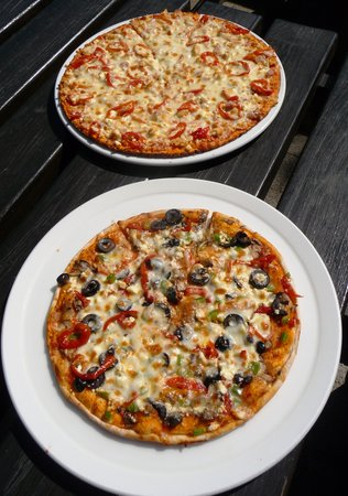 The Skaf'Tin Pizzeria & Take-Away: Medium pizza and large pizza