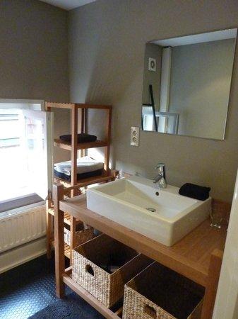 Guest House Corazon: salle de bains