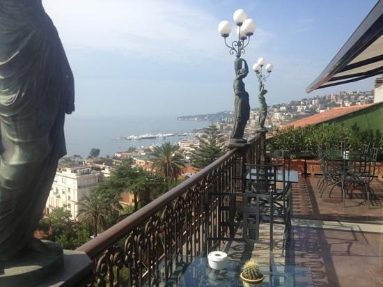 Grand Hotel Parker's : restaurant terrace