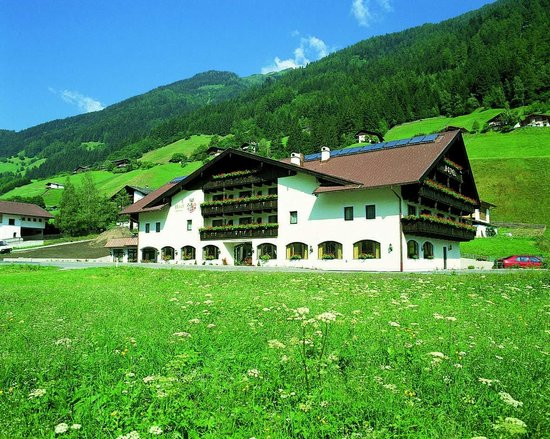 Photo of Hotel Bergjuwel Neustift im Stubaital