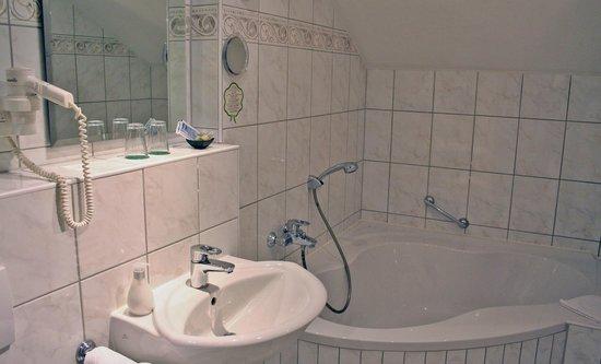 Historische Spitzgrundmühle: Badezimmer