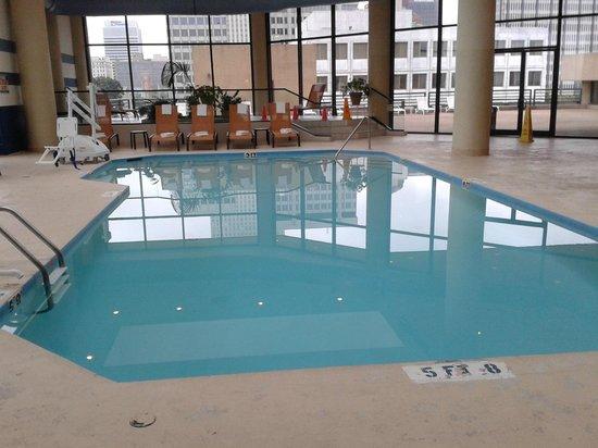 Sheraton Memphis Downtown Hotel: Piscina
