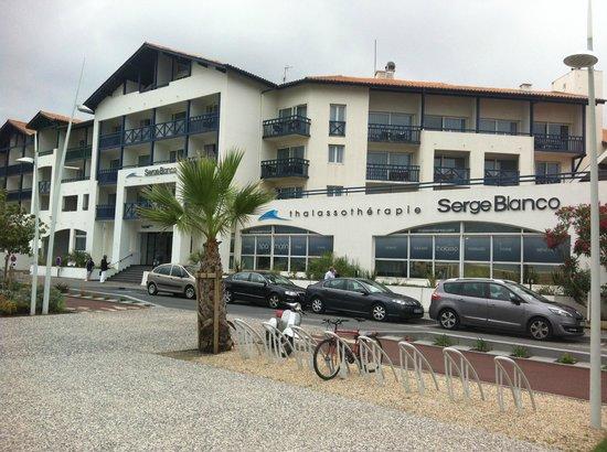 Hotel Serge Blanco & Thalassotherapy Center : Facciata Hotel e SPA