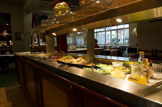 Esplanade Hotel: Esplanade Busselton Salad Bar