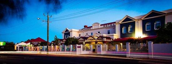 Esplanade Hotel Busselton Front