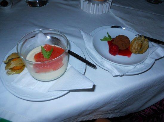 Restaurante Arandora: puddings small but yummy!