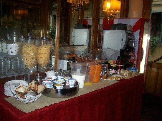 Hotel Guerrini: buffet colazione