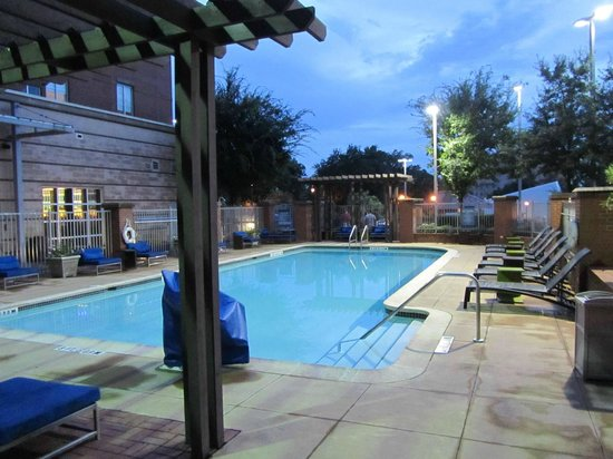 Aloft Tallahassee Downtown: Piscina