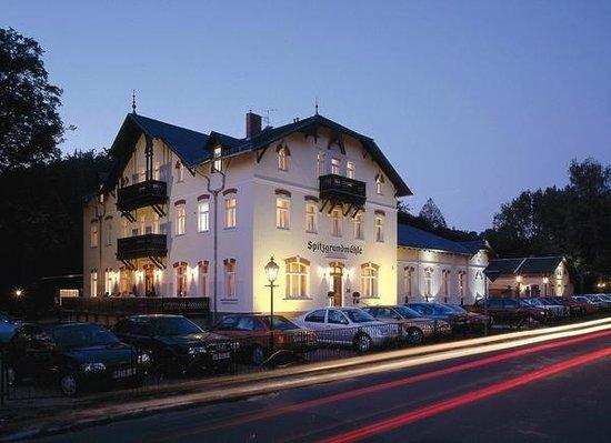 Historische Spitzgrundmühle: Hotel - Außenansicht