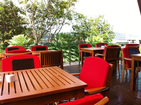 Wyndham Sea Pearl Resort Phuket: Balcony off the main dining room