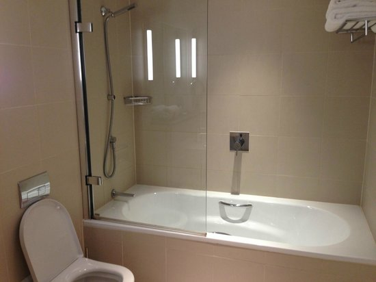 Bathroom picture of the nadler liverpool liverpool for Bathrooms liverpool